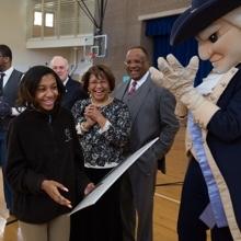 Faith Hudson receives her SJT Scholarship
